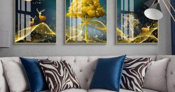 ภาพมงคลเรียกทรัพย์ กวางเรนเดียร์ชมจันทร์ กับ ต้นไม้สีทอง ติดผนังห้องนั่งเล่น แบบที่ 14-EX4